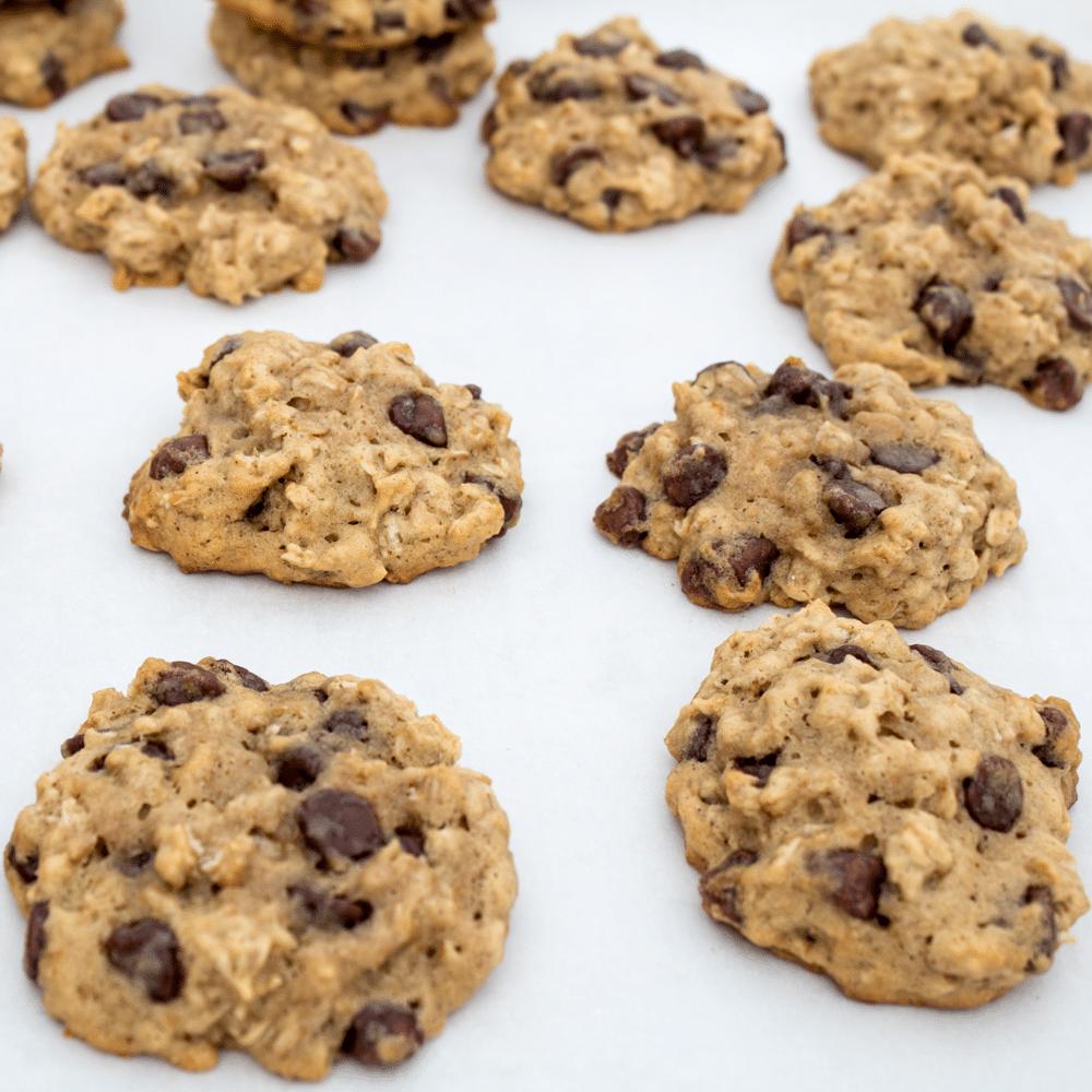 Banana Chocolate Chip Oatmeal Cookies | Bake It With Love